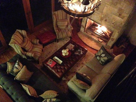 Oceana Beach and Wildlife Reserve: Lounge in house