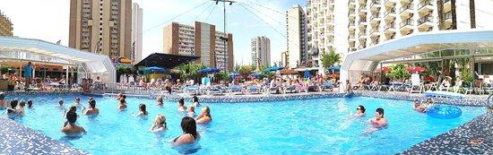 Hotel Ambassador Playa I & II: Hotel poolside
