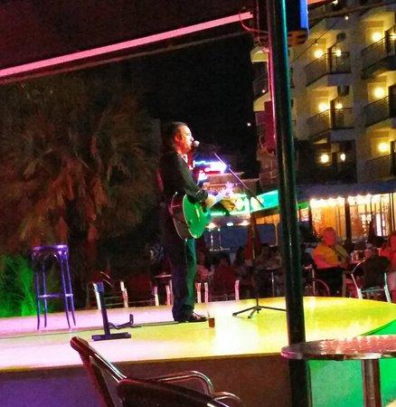Hotel Ambassador Playa: Nighttime Entertainment