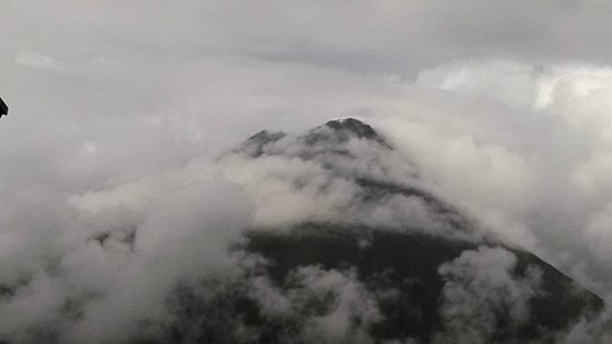 Arenal Kioro Suites & Spa: Clouds were plentiful