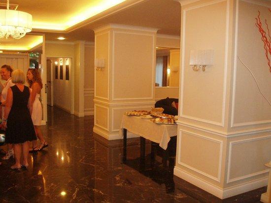 Decorazioni Buffet Ferragosto : Decorazione buffet di ferragosto foto di baltic hotel