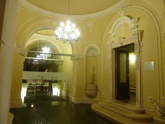 Hotel Palazzo Zichy: Hotel entrance