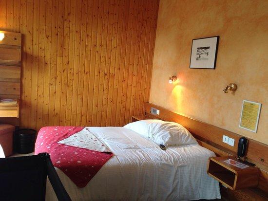 Carlit Hôtel : Chambre