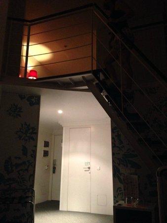 Room Mate Laura: Room