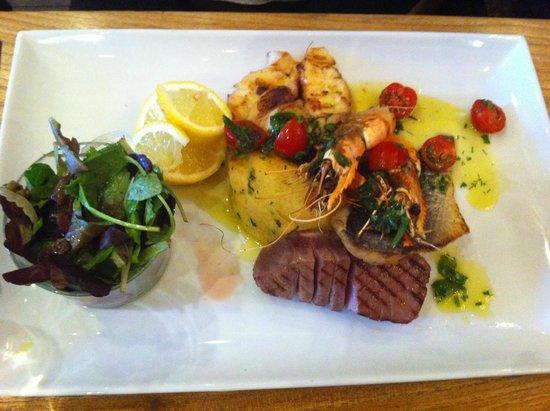 Vert de Gris : Mixed Fish Grill