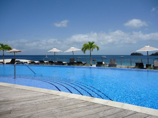 Buccament Bay Resort: pool