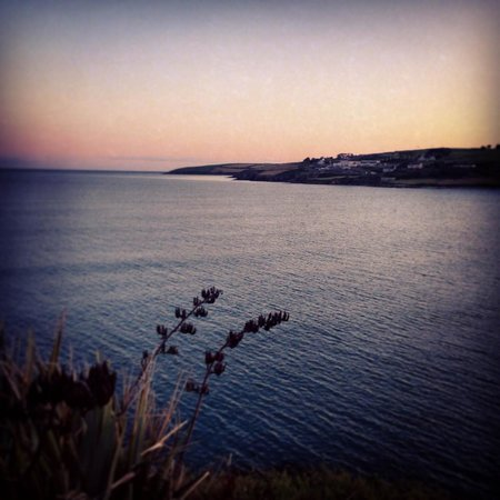 Inchydoney Island Lodge & Spa: A sunset view from the pier