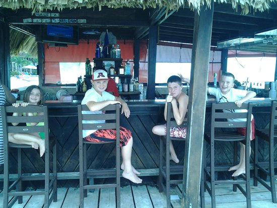 """X'tan Ha Resort : """"Just give me the usual.......""""  The bar area."""