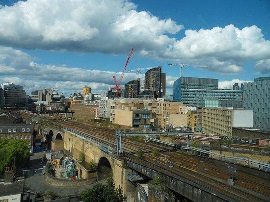 Travelodge London Central Southwark: Vista dalla camera dell'ultimo piano