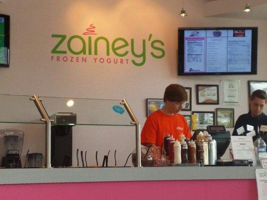 Zainey's Frozen Yogurt : Sensational service in Sedona. Ask for Josh.