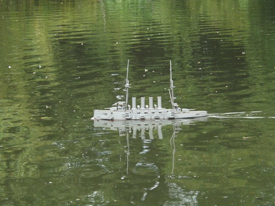 Weald & Downland Living Museum: Model Ship on the pond