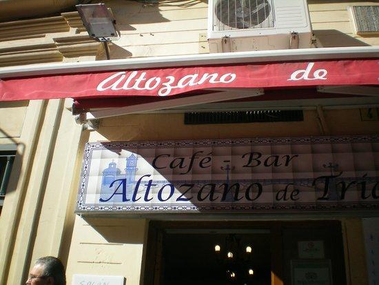 Cafe-Bar Altozano de Triana: Insegna in ceramica