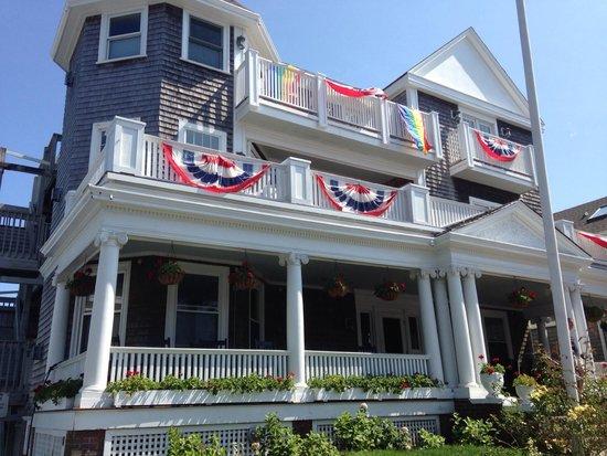 Anchor Inn: Exterior from 2013 trip