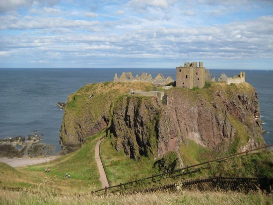 Dunnottar Castle: The Castle