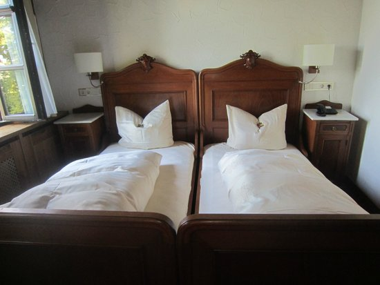 Hotel Burg Colmberg: room