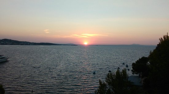 Intertur Palmanova Bay: Beautiful sunrise from the terrace