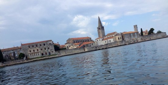 Porec Old Town: Old town from our motor boat