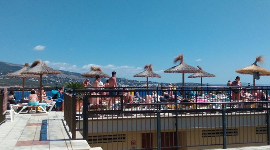 Intertur Palmanova Bay: plenty of sunbeds on the terrace