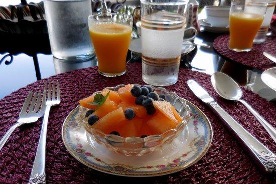 C. H. Bailey House : Fruit starter for breakfast