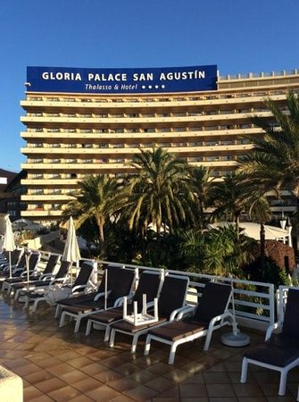Gloria Palace San Agustín Thalasso & Hotel : view from sunbed - nice quiet area away from the busy pool area