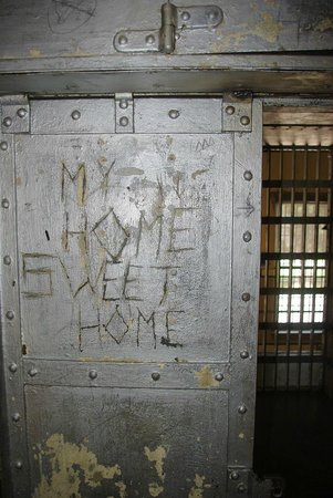 Outlaw and Lawmen Jail Museum: door of a cell