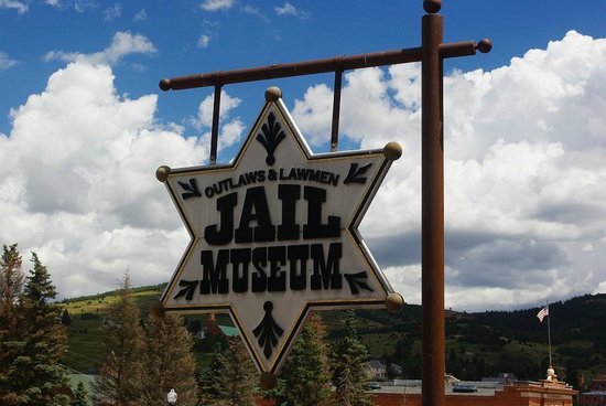 Outlaw and Lawmen Jail Museum: sign out front