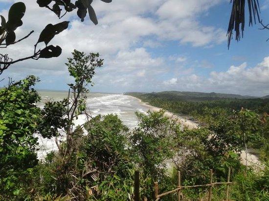 Itacarezinho Beach : Praia de Itacarezinho - vista a partir da trilha