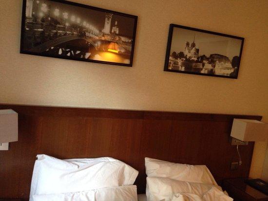 Agora Saint Germain: Room 207