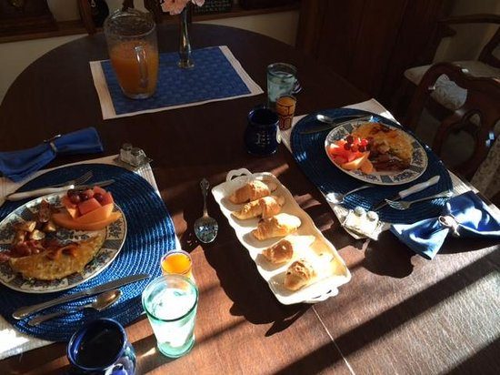 Time After Time Bed and Breakfast: Wonderful breakfast