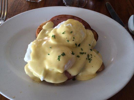 Longhi's: Eggs Benedict