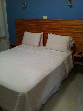 Hotel Florinda: Cama