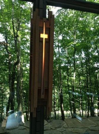 Thorncrown Chapel: There are many crosses like these inside the chapel.