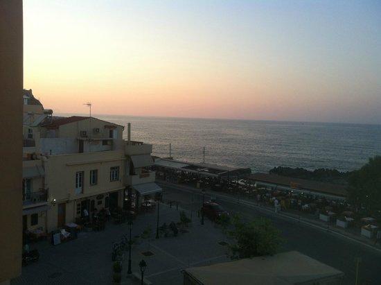 Ideon Hotel : Sunset Over Med