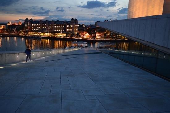 The Norwegian National Opera & Ballet : Oslo on a Summer's evening.