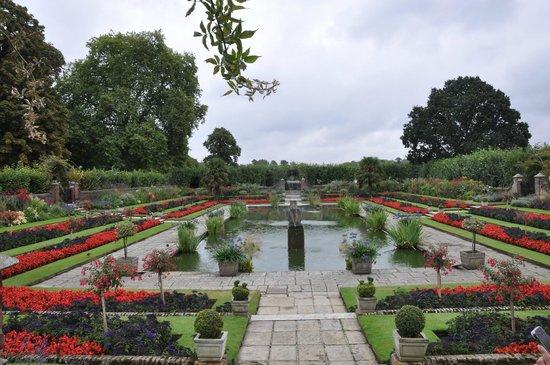 Kensington Gardens: giardino di kensington vicino al palazzo