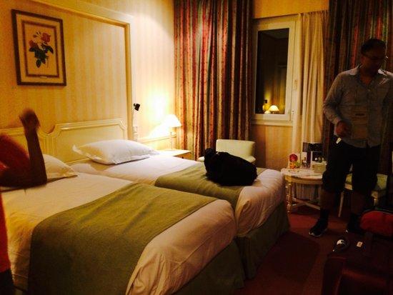 Mercure Madrid Plaza de Espana: My room