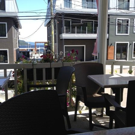 Restaurant Opia : terrasse avec vue sur laBaie