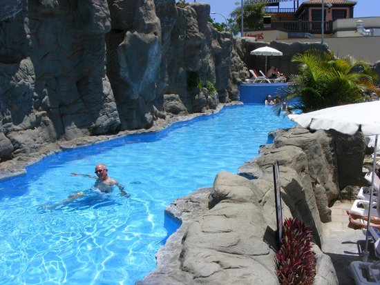 Paradise Park Fun Lifestyle Hotel: Lovely 'Natural' Pool