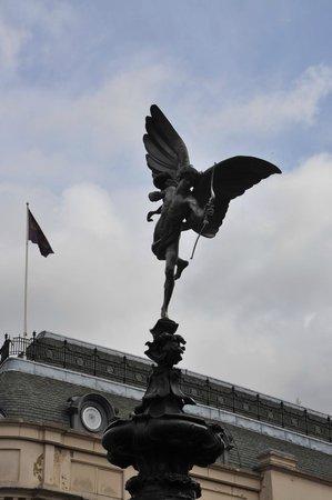 cupido della fontana a piccadilly circus