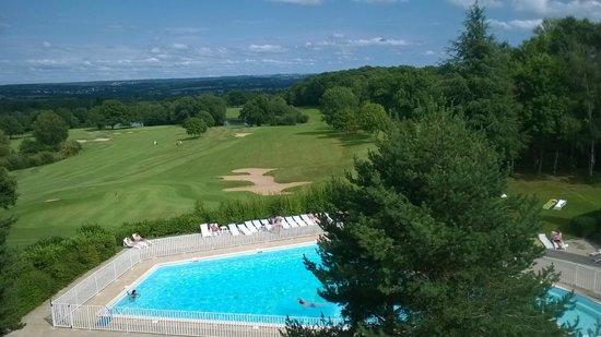 Hotel Les Dryades Golf & Spa : piscine et golf