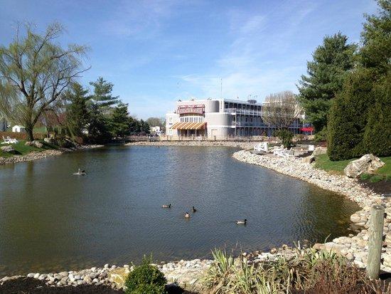 Fulton Steamboat Inn : Hotel exterior from far side of carp pond.