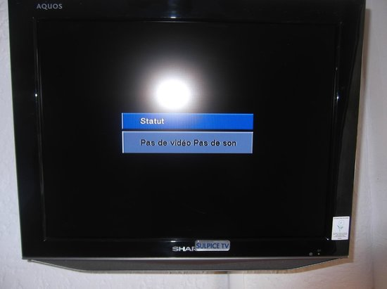 Bravone, Francia: vous payer 15 euros de tv : mais elle ne fonctionne jamais.....