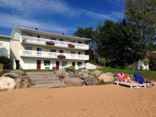Sands on Golden Lake : Met privé strand voor de deur aan het Golden Lake !