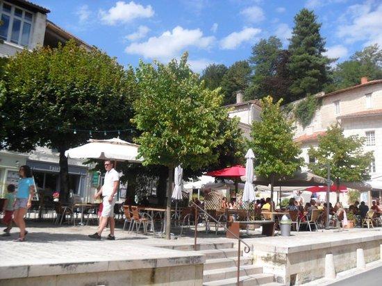 La Brasserie de la Place: place du village