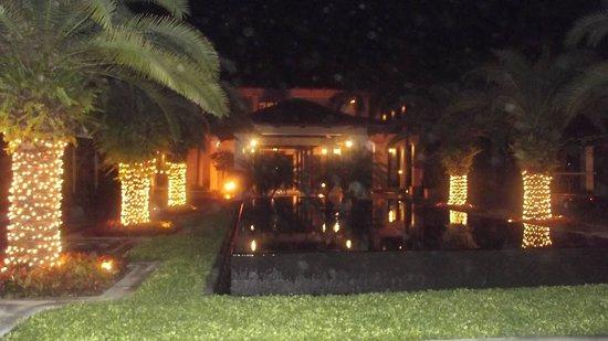 The St. Regis Bahia Beach Resort, Puerto Rico: St Regis_night