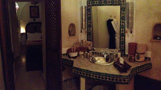 Riad Anabel: Bathroom Chocolat room