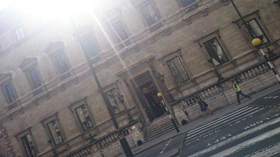 SANDEMANs NEW Europe - London: Reform Club