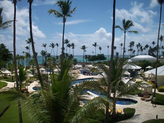 Iberostar Grand Hotel Bavaro: View of the Ocean and Pool