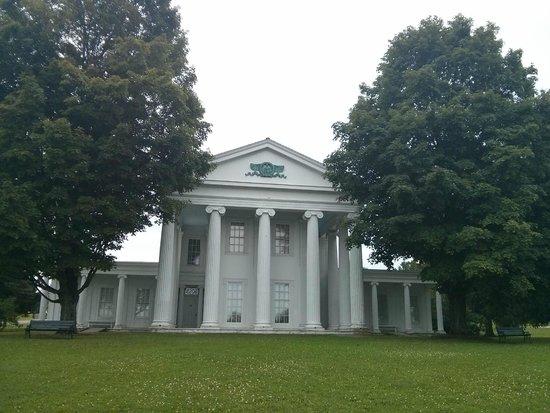 Shelburne Museum: Memorial house