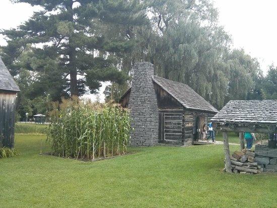 Shelburne Museum: Cabin